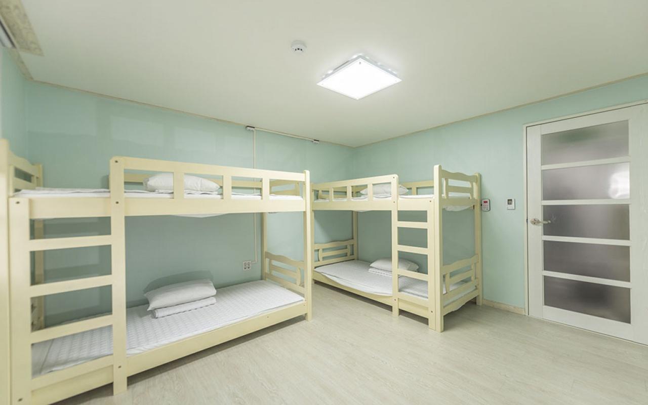 4인 도미토리형 가족실