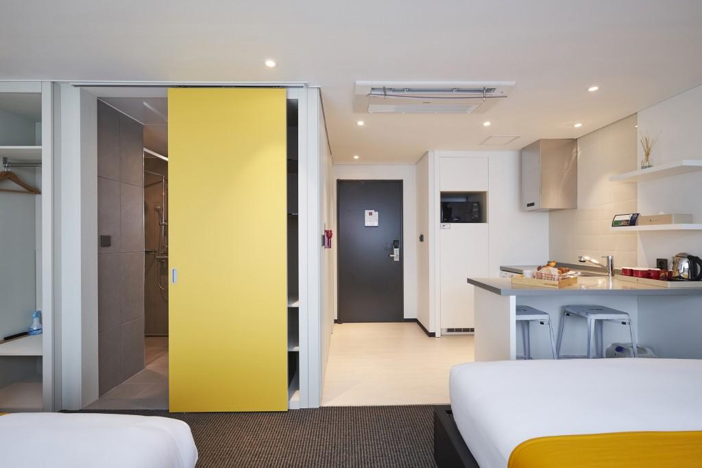 Room Only  디럭스 트윈